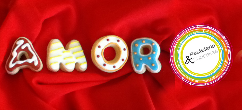 Galletas decoradas con royal icing y tematica amor
