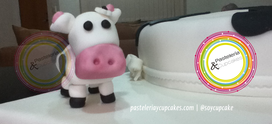 Pastel temática vaca