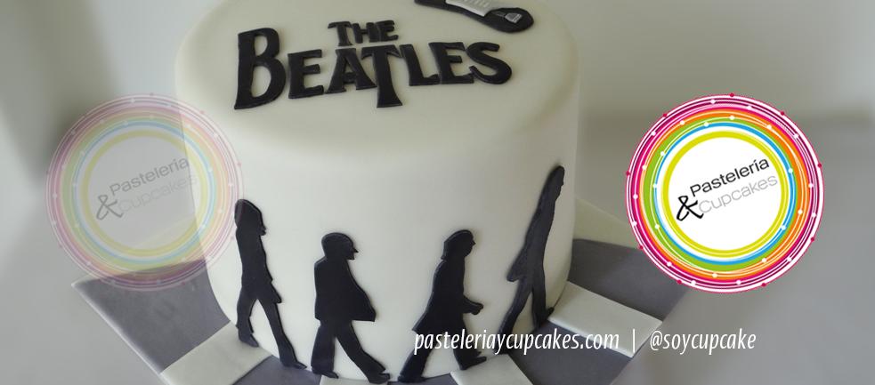 Pastel en fondant de los Beatles