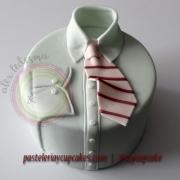 Pastel camisa y corbata