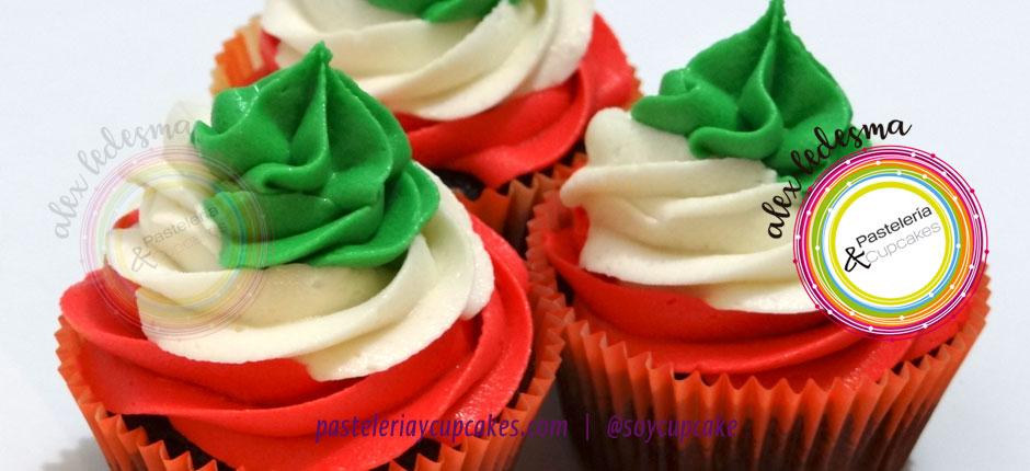 Cupcakes celebración independencia tres colores